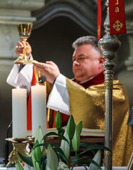 Lic. teol. ksiądz Mirosław Grabowski
